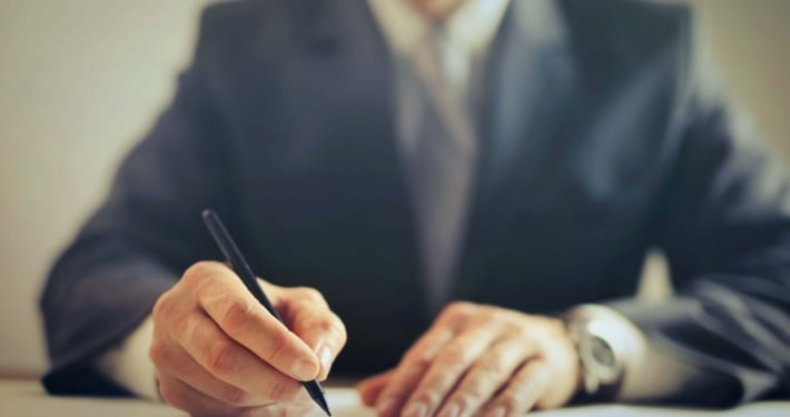 beneficiário aposentado na modalidade especial, pode exercer atividade profissional?